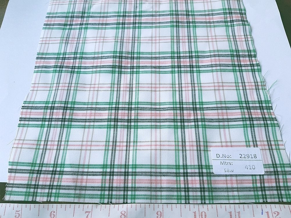 Preppy Fabric - Plaid fabric made of cotton, woven in a plain weave for preppy clothing, preppy sewing and crafts and perfect for handmade things.