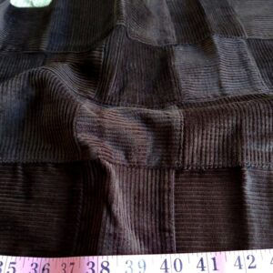 Corduroy fabric has a soft velvet-weave for use in men's jackets, corduroy pants, winter clothing, shorts and jackets.
